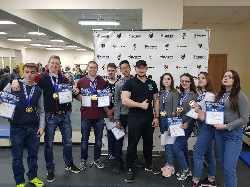 Чемпионат ДФО по пауэрлифтингу памяти П.В. Лапненка