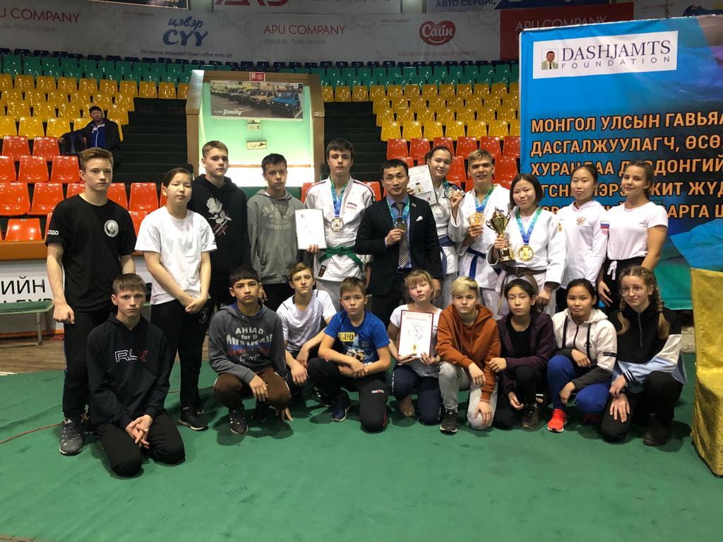 Из Монголии с медалью